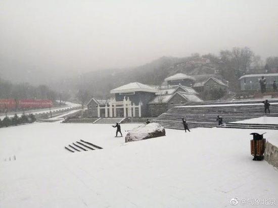房山霞云岭雪景。王威然 摄