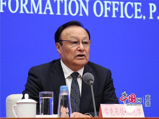 12月9日,国新办就新疆稳定发展有关情况举行新闻发布会。新疆维吾尔自治区党委副书记、自治区主席雪克来提•扎克尔介绍情况。中国网 张瑞宇 摄