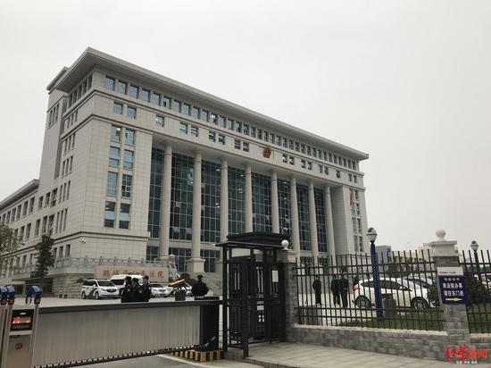 湖南操场埋尸案开庭 受害人家属:等这天等太久了
