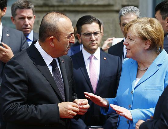 土德搁置争议纪念索林根纵火案25周年 谴责极右翼土耳其默克尔索林根