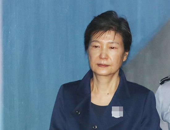 朴槿惠获判刑期累加至33年(News 1)