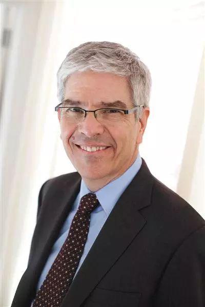 ▲保罗・罗默(Paul M.Romer)于1955年出生于美国科罗拉多州丹佛市。