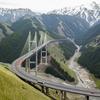 航拍新疆第一高桥