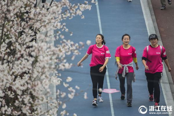北京上海等开放自动驾驶载人测试