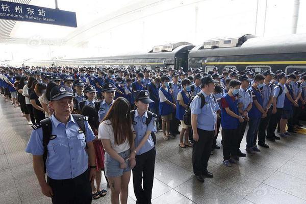 海外华侨华人同心战疫