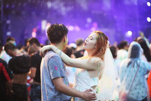 上海人社局:延长的春节假期属于休息日居家办公应付2倍工资