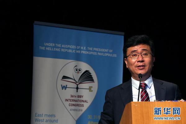 張文宏:新冠肺炎疫情存在全球二次爆發的可能