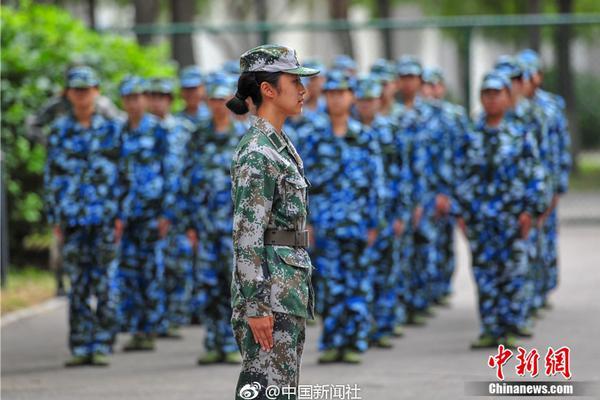 特朗普:美国正在和中国密切合作应对疫情