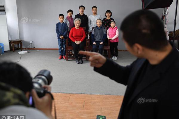 战疫关键时刻更见中国制度优势