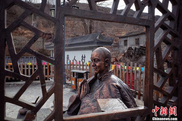 他是码头临时工、园丁、卡车司机,也是台湾新诗的开拓者