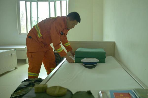 幼童生病输液家长在管里发现虫子 医院致歉