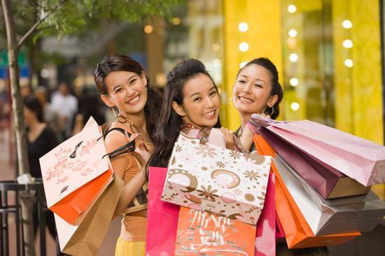 英媒:中国4亿年轻人将影响品牌消费促经济增长 年轻人 消费 品牌_新浪新闻