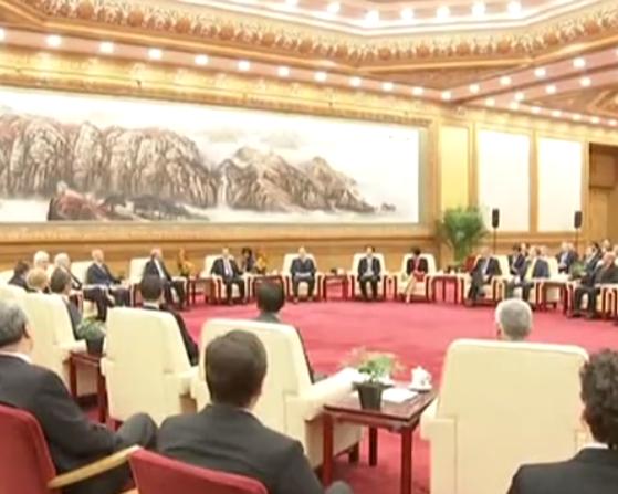 《新闻联播》丨李克强同在华外国专家举行新春座谈会