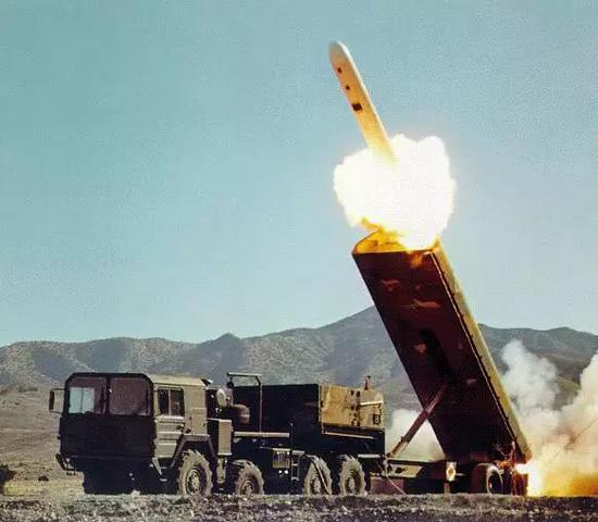 """▲美国曾经于热战期间研发陆基发射型""""战斧""""巡航导弹,后因《中导条约》强迫退役。"""