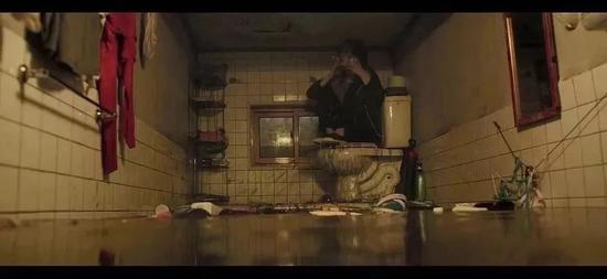 电影《寄生虫》剧照