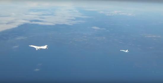 俄军轰炸机波罗的海上空巡航,欧洲5国战机联手拦截。(图源:今日俄罗斯)