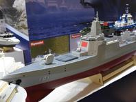 055舰和辽宁舰同框现身北京模型展