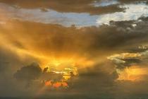 黄山现火烧云景观