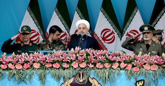 伊朗总统鲁哈尼呼吁伊朗各政治派别团结一致。(图源:《纽约时报》)