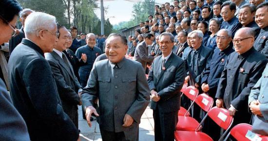 """1984年10月7日,北京正负电子对撞机正式动工,邓幼平在动工仪式上说:""""吾自夸这件事不会错!"""""""