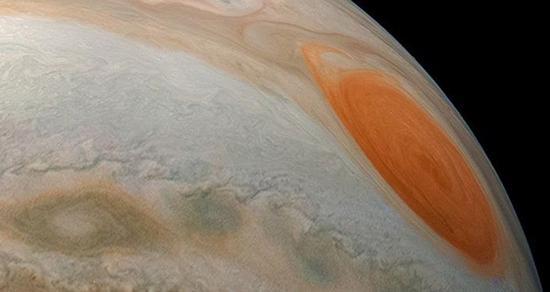 从木星轨道上拍摄的最棒的照片 图自俄罗斯卫星网