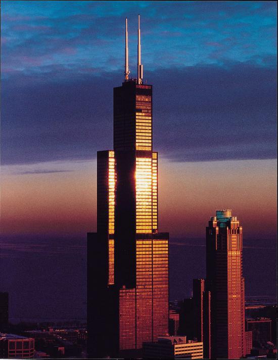 芝加哥442.1米高的西尔斯大厦,现已改名为威利斯大厦 资料图