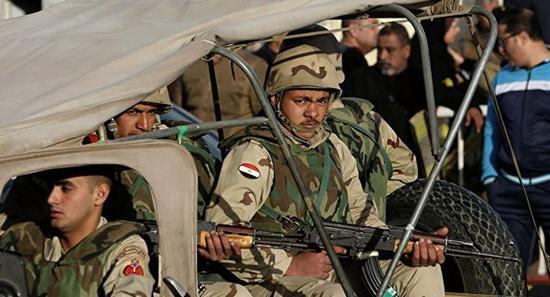 埃及军方与武装分子发生冲突 造成双方25人死伤