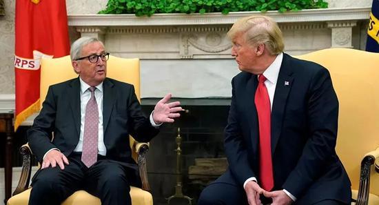▲资料图片:2018年7月25日,美国总统特朗普在白宫会见来访的欧盟委员会主席容克。(路透社)
