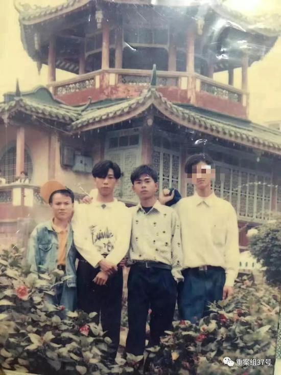 ▲林晓明、林卫东、林浩平等人年轻时相符影。受访者供图