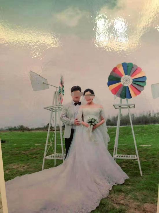 国庆假期游客打卡北京大兴机场 大碗茶等受追捧
