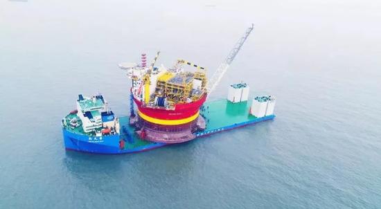"""▲广船国际造10万吨级半潜船""""新光华""""号"""