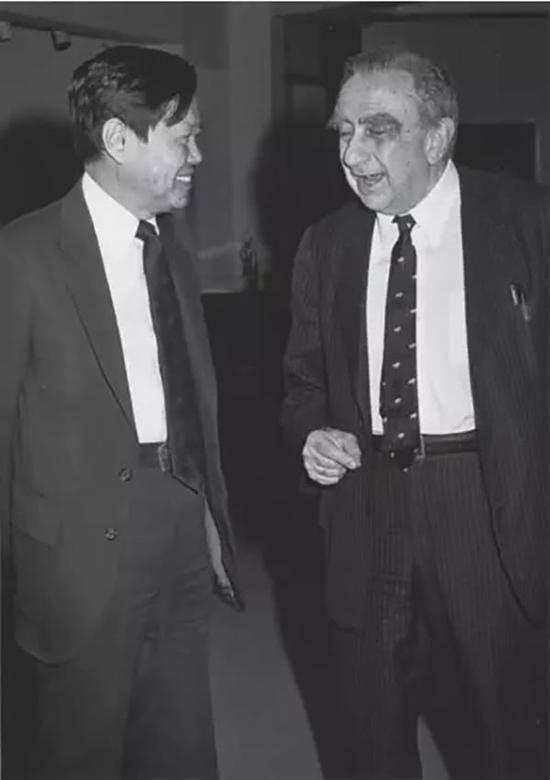 特勒(右)与杨振宁(1982)