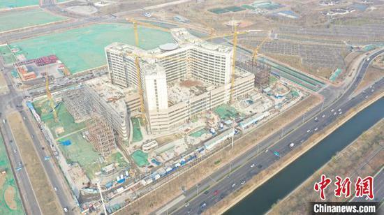 图为航拍天津市第一中心医院新址扩建项目。 苏鲲 摄
