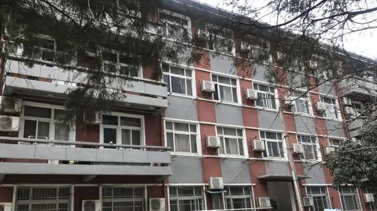 刘春杨住的宿舍楼。新京报记者周小琪 摄