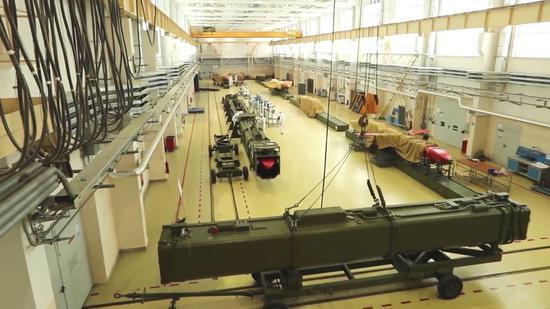 """俄媒公布的""""海燕""""巡航导弹生产车间"""