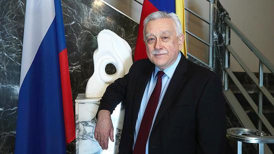 图说:俄驻委内瑞拉大使弗拉基米尔•扎耶姆斯基