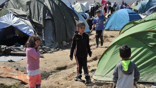 鲁克班干难民营