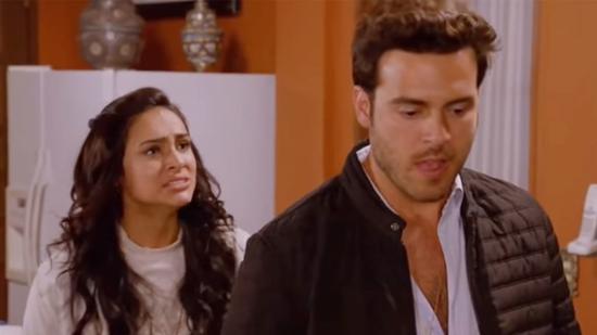 帕布罗·莱尔(右)在墨西哥肥皂剧Mi adorable maldición中的剧照