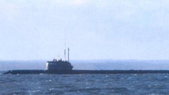"""被拍到在水面航行的""""AS-12""""号核动力深潜器"""