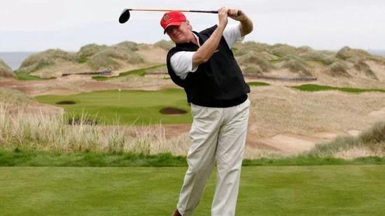 ▲川普打高尔夫资料图(BBC)