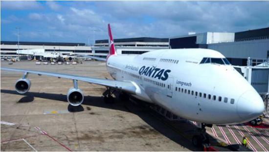 (與迫降客機同型號客機。圖源:Youtube)