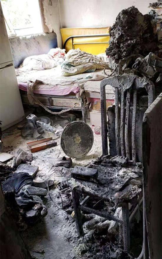 爆炸发生后的出租屋 本文图均为 家属供图