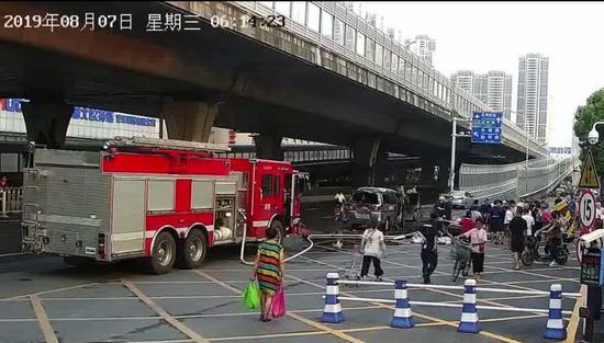 武汉市消防救济 支队特勤二中队副中队长 卜向阳