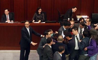 香港指斥派议员滋事(大公报)