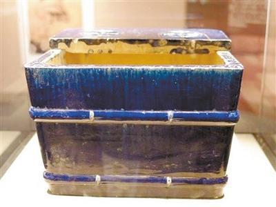 明万历蓝琉璃釉竹节方冰箱