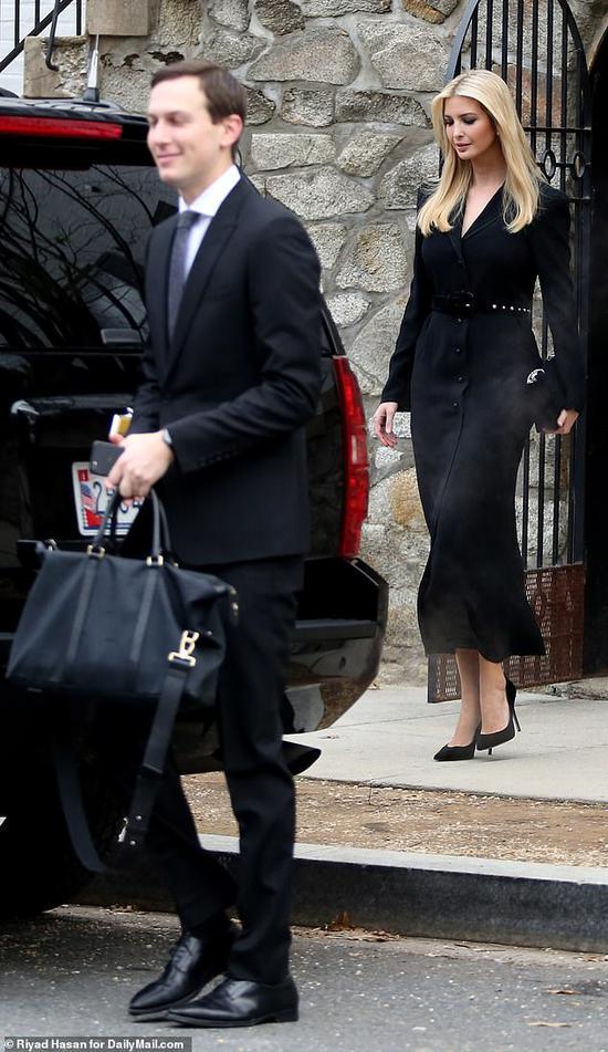 伊万卡夫妇一路前往参添老布什的国葬仪式。(每日邮报)