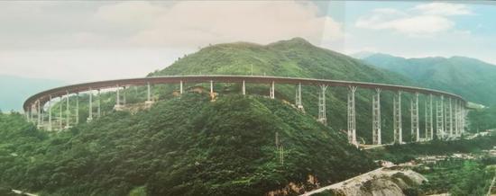 世界施工难度最大的山区高速公路——雅(安)西(昌)高速。