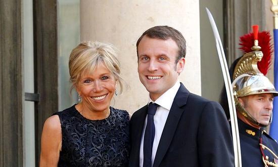 给马克龙夫妇寄恐吓信? 巴黎67岁老人被罚3万元