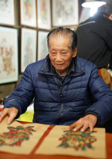 佛山木版年画国家级非遗代表性传承人冯炳棠