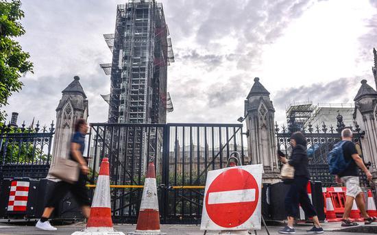 8月28日,英国议会大厦外。图源:视觉中国
